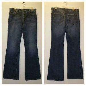London boot cut jeans w/button fly. Size 12